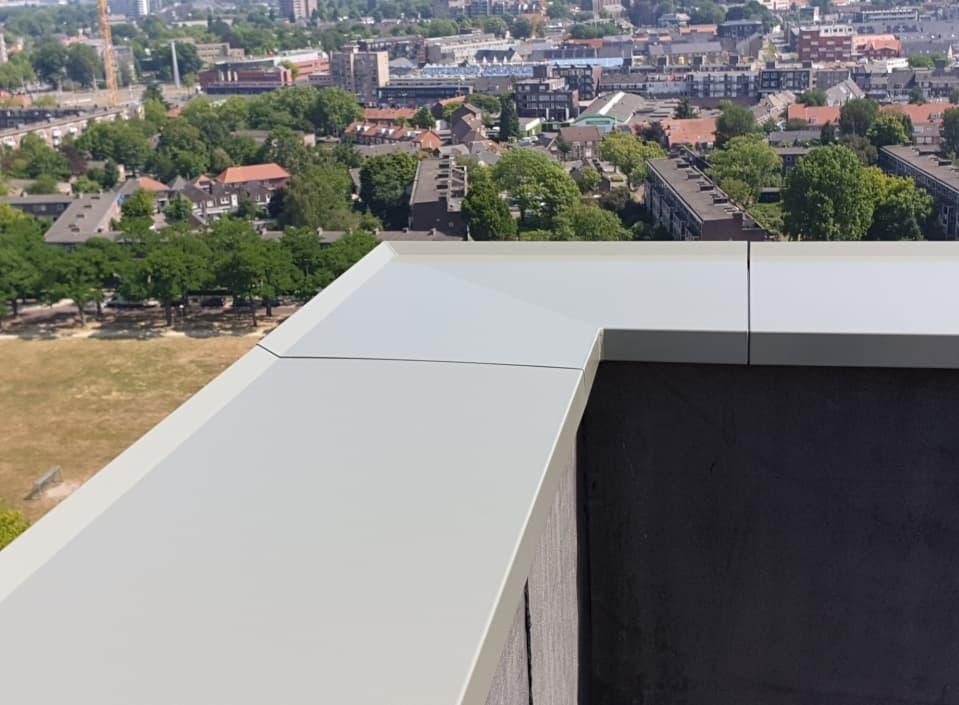 La variété par les couvre-murs en aluminium